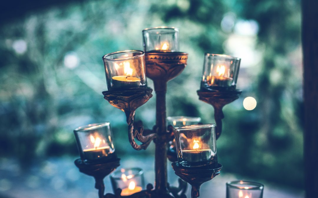 Mood Magic: How To Use Candlelight to Calm the Hectic Evening Atmosphere in Your Home